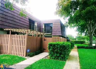 Tamarac Condo/Townhouse Backup Contract-Call LA: 6193 NW 55th Ln #6193