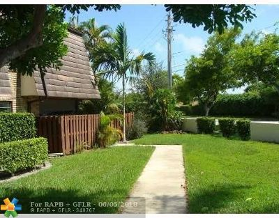 Coral Springs Condo/Townhouse For Sale: 2622 NW 99th Ave #2622