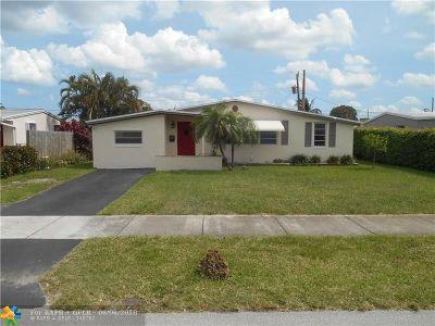 Oakland Park Single Family Home For Sale: 800 NE 58th St