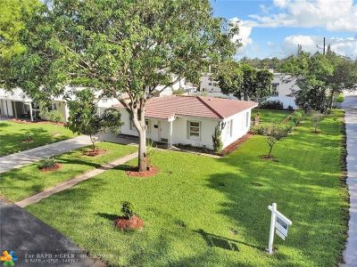 Pompano Beach Single Family Home For Sale: 1637 SE 1 St