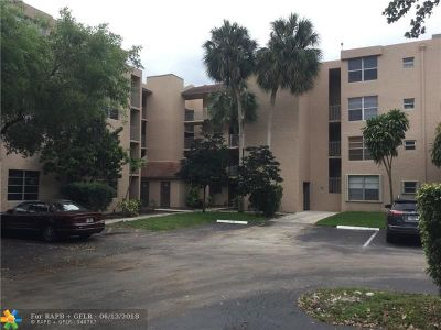 Davie Condo/Townhouse For Sale: 9441 Live Oak Pl #309