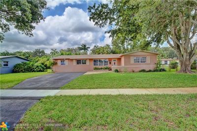 Cooper City Single Family Home For Sale: 8957 SW 52nd Ct