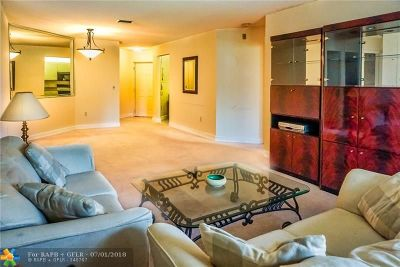 Coconut Creek Condo/Townhouse For Sale: 4101 Coral Tree Circle #117