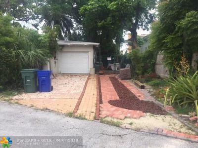 Lauderdale Harbors Single Family Home For Sale: 1806 SE 14th
