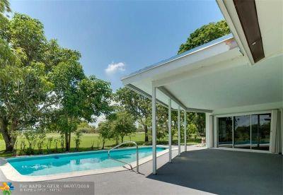 Tamarac Single Family Home For Sale: 5011 Sago Palm Circle