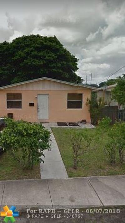 Hallandale Single Family Home For Sale: 512 NW 7th Ct