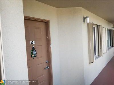 Pembroke Pines Condo/Townhouse For Sale: 801 SW 138th Ave #304 E