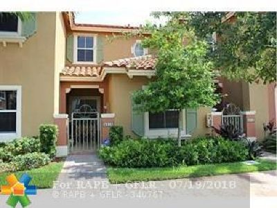 Hollywood Condo/Townhouse For Sale: 5910 SE Siena Ln #5910