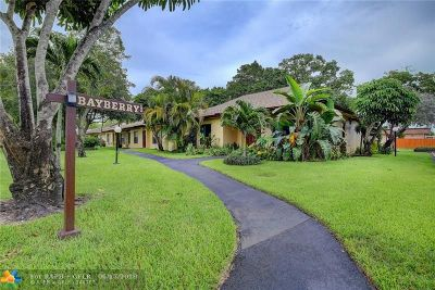Davie Condo/Townhouse For Sale: 7503 SW 26th Ct #2