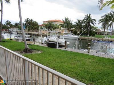 North Miami Condo/Townhouse For Sale: 2225 NE 123rd St #113