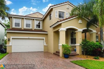 Delray Beach Single Family Home For Sale: 1141 W Magnolia Cir