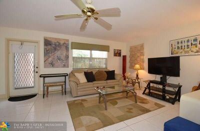 Delray Beach Condo/Townhouse For Sale: 359 Tuscany G #3590