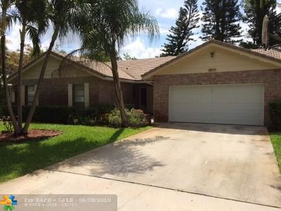 Coral Springs Single Family Home For Sale: 3831 NW 72nd Dr