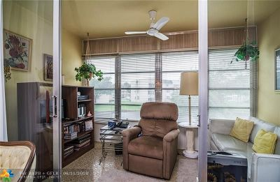 Tamarac Condo/Townhouse For Sale: 6050 NW 64th Ave #210