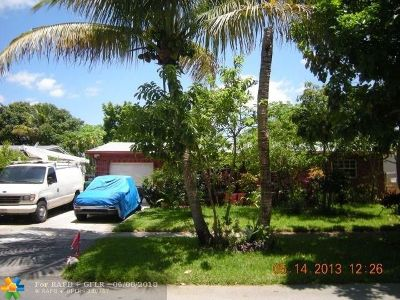 Lauderhill Single Family Home For Sale: 4321 NW 23rd Ct