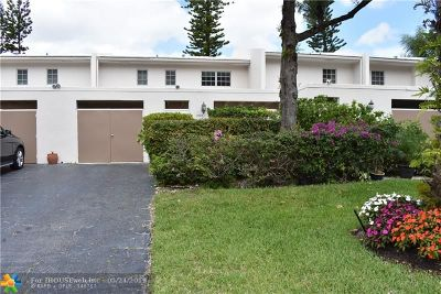 Pompano Beach Condo/Townhouse For Sale: 3059 N Palm Aire Dr #3059