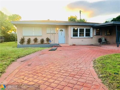 Miami Gardens Single Family Home For Sale: 18740 NW 18th Ct