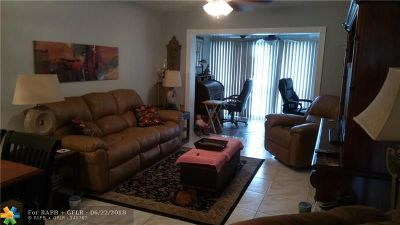 Margate Condo/Townhouse For Sale: 3080 Holiday Springs Blvd #308