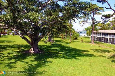 Deerfield Beach Condo/Townhouse For Sale: 100 Ventnor E #100