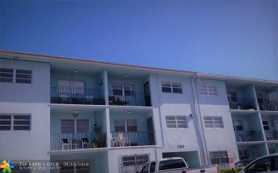 Hialeah Condo/Townhouse For Sale: 380 E 35th St #2109