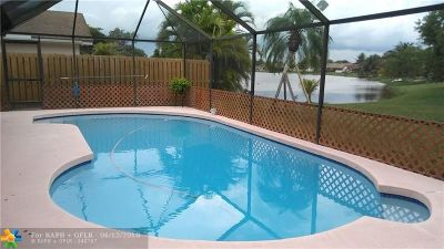 Lauderhill Single Family Home For Sale: 7031 NW 47th Pl