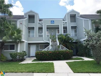 Lauderdale Lakes Condo/Townhouse For Sale: 3465 NW 44th St #104
