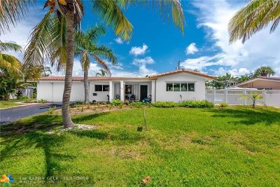 Pompano Beach Single Family Home For Sale: 2545 SE 3rd St