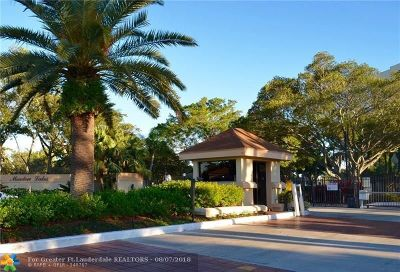 Deerfield Beach Condo/Townhouse For Sale: 1228 S Military Trl #2113