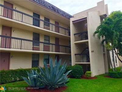 Coral Springs Condo/Townhouse For Sale: 8433 Forest Hills Dr #308