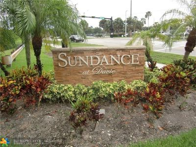 Davie Condo/Townhouse For Sale: 2946 S University Drive #7209