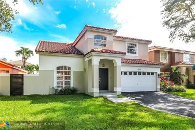 Hialeah Single Family Home For Sale: 8237 NW 200th Ter