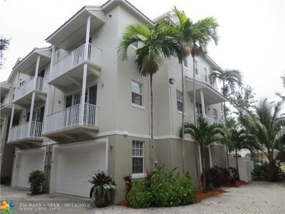 Wilton Manors Condo/Townhouse For Sale: 2685 NE 9th Ave #6