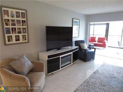 Boca Raton Condo/Townhouse For Sale: 9165 SW 14th St #1308