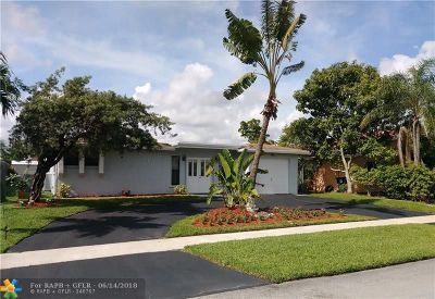 North Lauderdale Single Family Home For Sale: 8210 SW 8th St