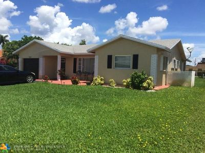Tamarac Single Family Home For Sale: 9303 NW 82nd Ct