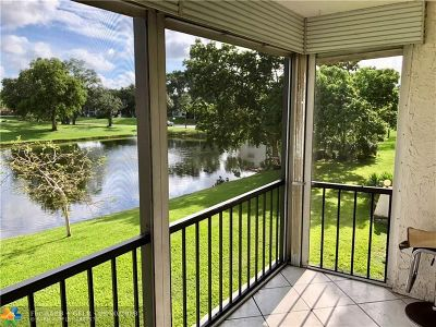 Pembroke Pines Condo/Townhouse For Sale: 820 S Hollybrook Dr #209