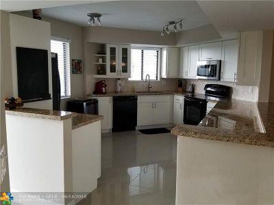 Pompano Beach FL Condo/Townhouse For Sale: $278,500