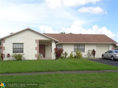 Davie Single Family Home For Sale: 1001 SW 127th Ter