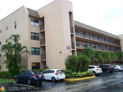 Sunrise Condo/Townhouse For Sale: 2901 N Nob Hill Rd #206