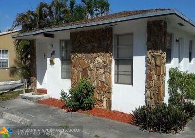 Hallandale Multi Family Home For Sale: 325 SE 2nd St
