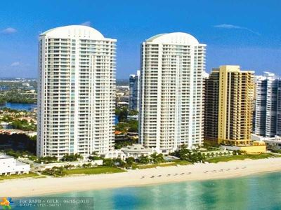 Sunny Isles Beach Condo/Townhouse For Sale: 16051 Collins Av #902