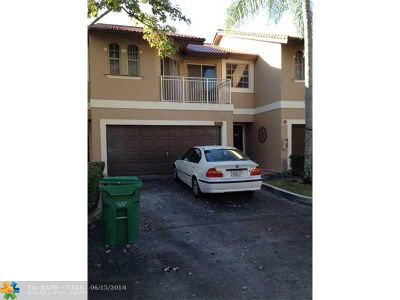 Coral Springs Condo/Townhouse For Sale: 4971 Riverside Dr #805