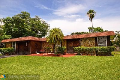 Tamarac Single Family Home For Sale: 7911 NW 69th Ter
