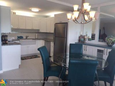 Deerfield Beach Condo/Townhouse For Sale: 3066 Ventnor P #3066