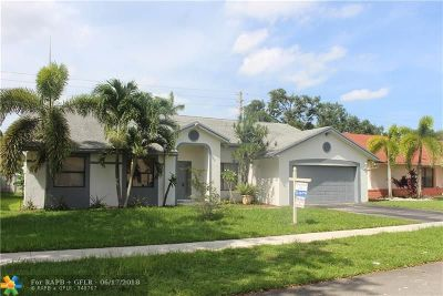 Miramar Single Family Home For Sale: 9741 Forest Dr