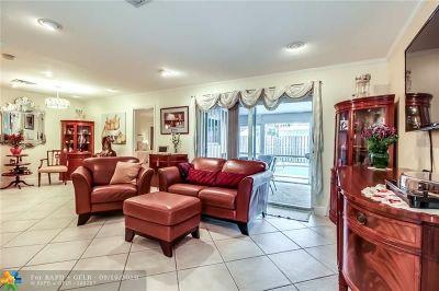 Broward County Single Family Home For Sale: 5712 NE 17th Ave
