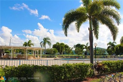 Deerfield Beach Condo/Townhouse For Sale: 414 Markham S #414