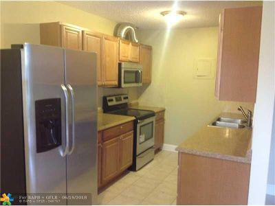 Deerfield Beach Condo/Townhouse For Sale: 4330 NW 4th Av