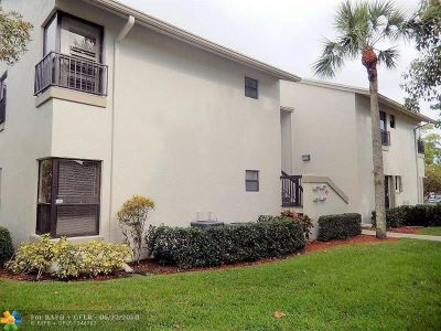 Coconut Creek Condo/Townhouse For Sale: 3725 NW 35th St #16104