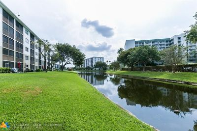 Pompano Beach Condo/Townhouse For Sale: 2230 N Cypress Bend Dr #109